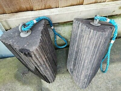 Two Solid Rubber Traction Engine Chocks, 11.1 Kg Together, 10inch X 6.5 Inch Tri • 40£